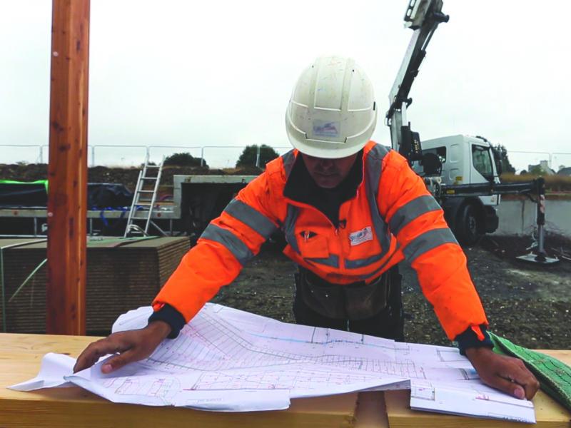 Consultation de document sur chantier