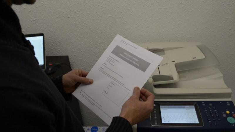 Le document unique est imprimé pour être mis à la disposition des salariés.