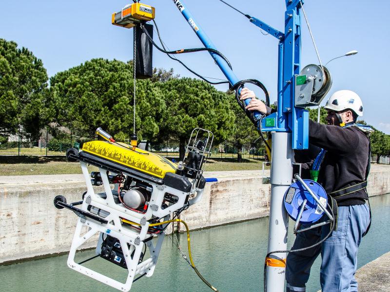 Ce robot sous-marin de la société Satif OA, présenté lors de la première édition du concours TP Innovation Day, sécurise les chantiers immergés.