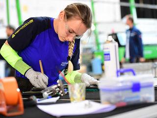 Laura Vereecken, 23 ans, médaillée d'or Euroskills 2021 (miroiterie)