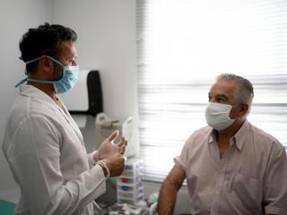 Personne vulnérable au Covid-19 consultation médicale