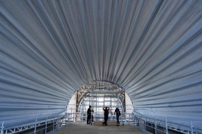 Le travail en hauteur a nécessité la création de deux planchers d'échafaudage